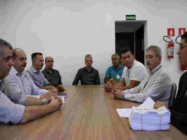 544babc7e Paulo Barufi cobra ampliação de serviços dos Correios em Jandira ...